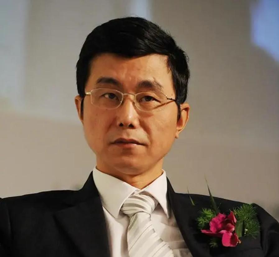 格力执行总裁黄辉辞职,铁三角仅剩董明珠