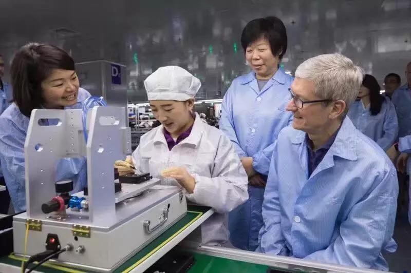 """苹果供应商的""""喜与忧"""":昔日躺赚,如今沦为打工人"""