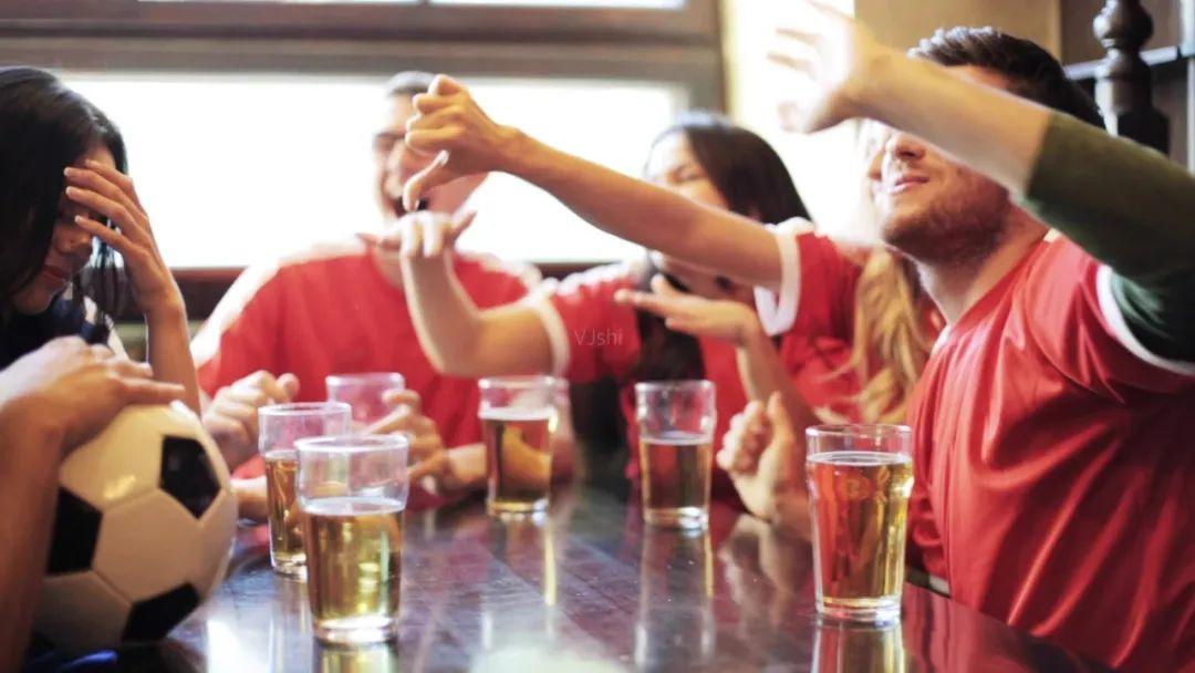 """""""中年危机""""的华润雪花啤酒,走高端是未来的唯一出路?"""