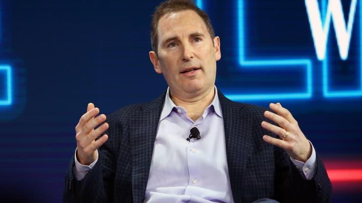 贝佐斯卸任CEO后首份财报 亚马逊Q2营收再破1000亿美元