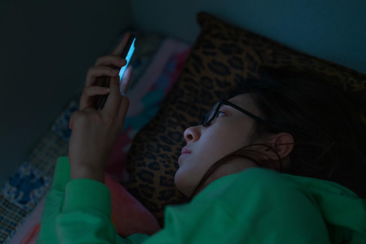 现代人每天会看150次手机?过剩的信息究竟是如何引人焦虑的?