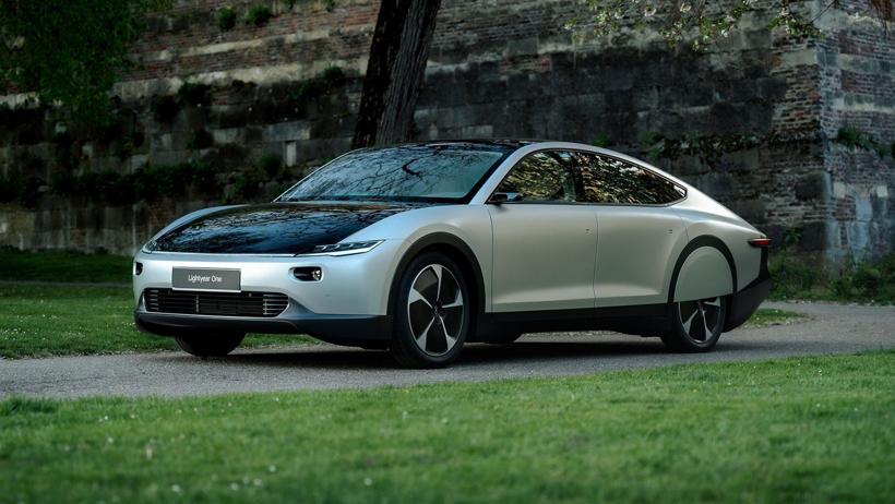 太阳能电动车初创公司Lightyear融资6200万美元