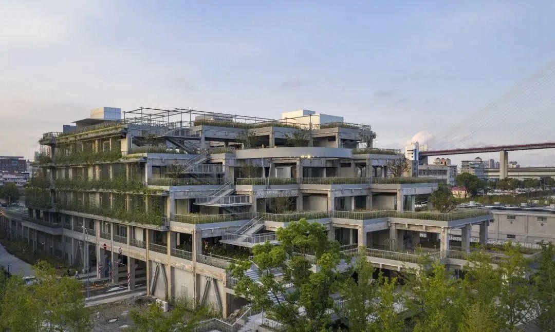 北京有了环球影城,而上海已经掌握流量密码